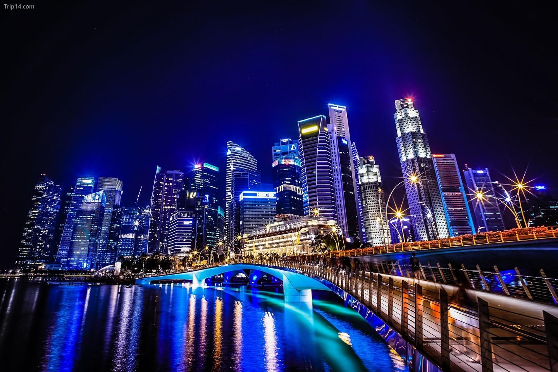 Quang cảnh đường chân trời Singapore từ Cầu Jubilee   |