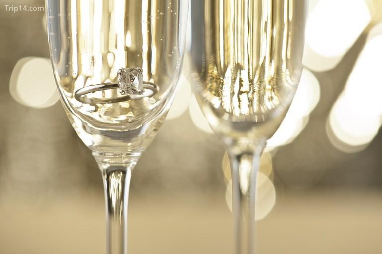 Rượu sâm banh © 3525studio / Shutterstock