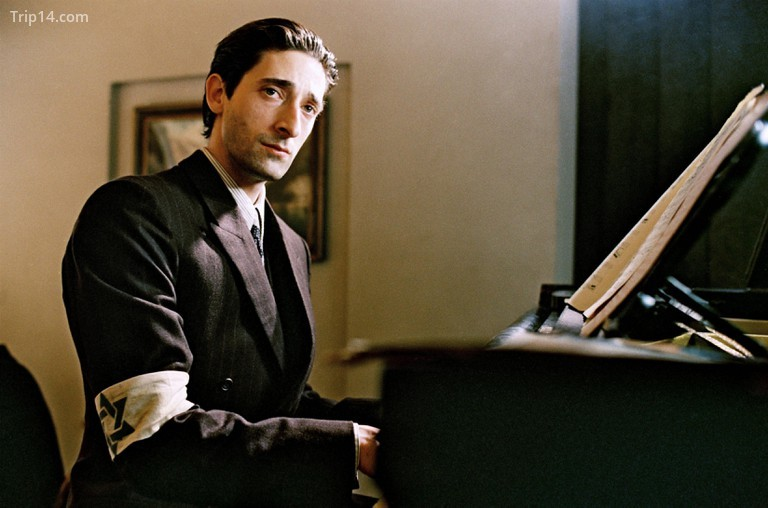 Adrien Brody trong The Pianist, 2002 - Trip14.com