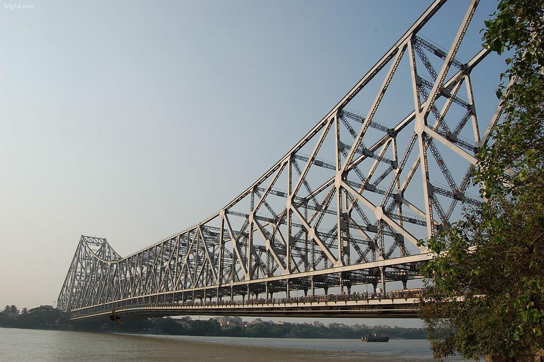 Việc xây dựng Cầu Howrah lần đầu tiên được thảo luận vào năm 1862