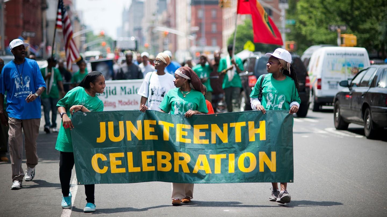 Cuộc diễu hành kỷ niệm Juneteenth ở Harlem, thành phố New York - diễn ra trên khắp đất nước.