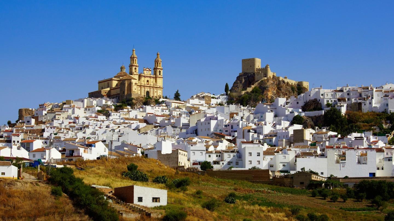 """Olvera là một trong những """"thị trấn trắng"""" đẹp như tranh vẽ ở Andalusia"""