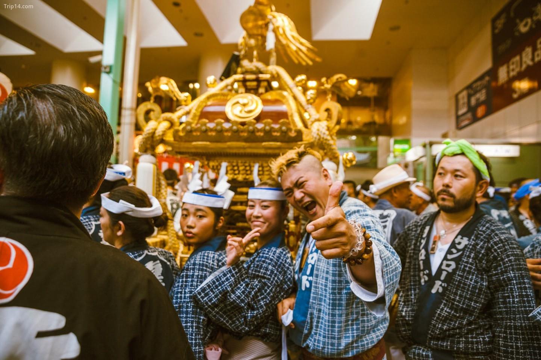 Những nụ cười xung quanh tại Lễ hội Kichijoji   |   Mithila Jariwala /