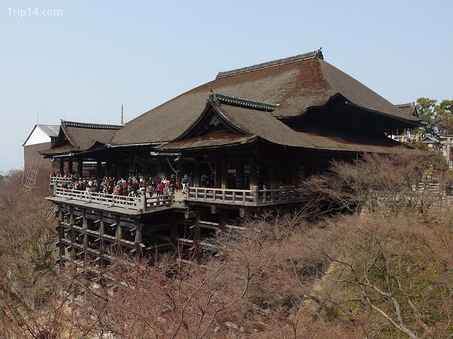 Sảnh chính tại đền Kiyomizu-dera - Trip14.com