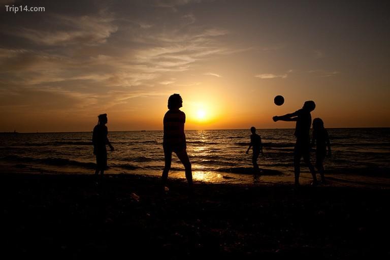 Bãi biển Hoàng hôn © israeltourism / Flickr