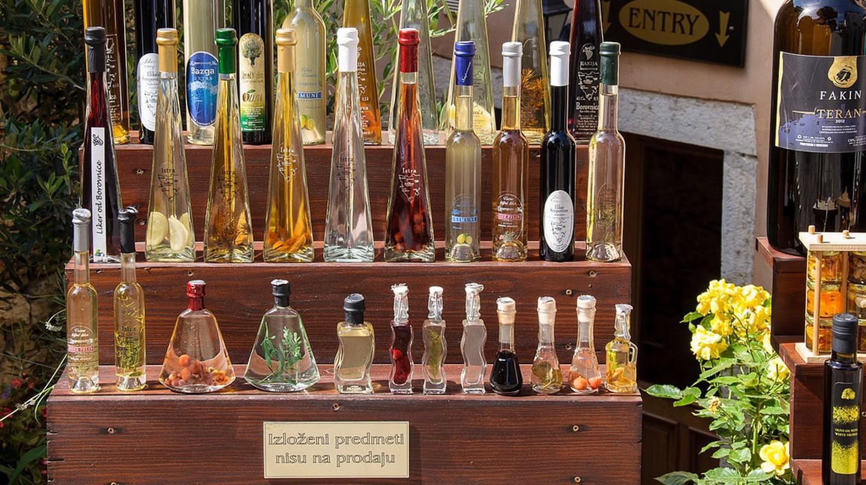Tìm hiểu về rượu Rakija của Croatia