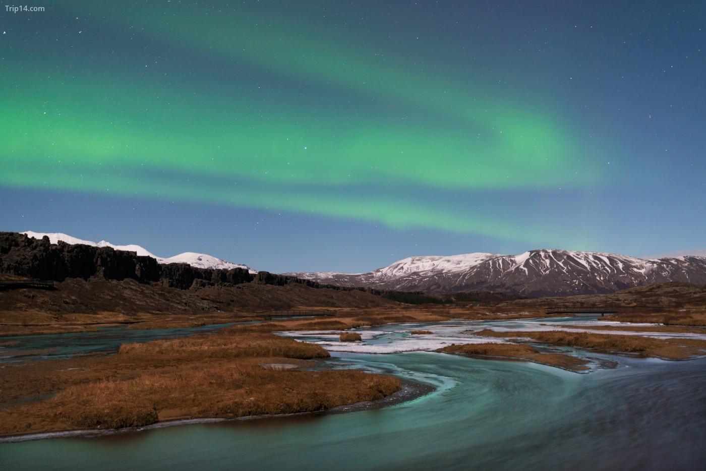 Ghé thăm Iceland để có cơ hội xem một buổi trình diễn ánh sáng do Mẹ thiên nhiên sản xuất, được biết đến với cái tên Ánh sáng phương Bắc | © Adam Burton / Alamy Kho ảnh
