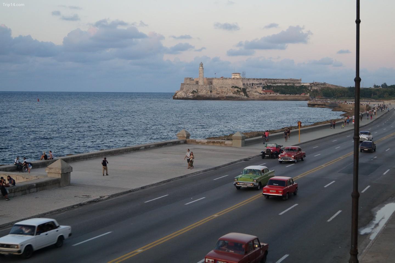 Maquinas ở Malecon, Havana
